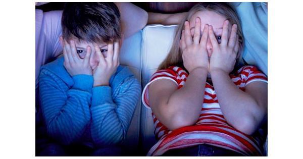 تاثیرات فیلم های ترسناک بر کودکان
